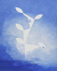 Las w geometrii - Andrzej Tobis - niebieski obraz z biały elementem roslinnym