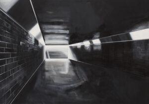 bez tytułu - Irena Skalik - architektura, korytarz przejścia podziemnego, czerń i odcienie szarości